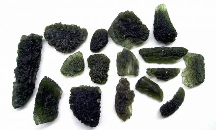 Rockin' Out | October is for Moldavite