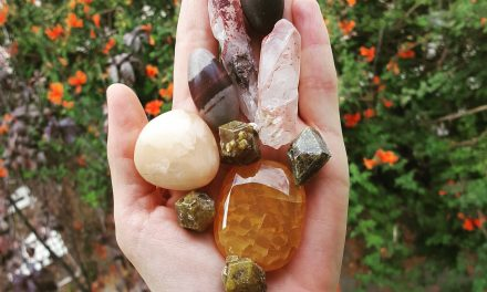 Crystal Healing: Is It For Me? | A How-to Series