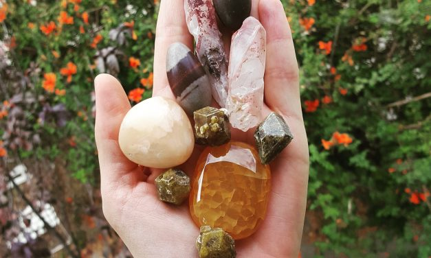 Crystal Healing: Is It For Me?   A How-to Series