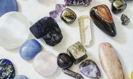 Crystal Healing: Is There Scientific Proof? | A How-to Series